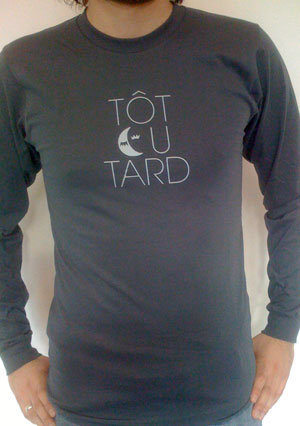 t-shirt-homme-encolure-ronde-manches-longues-tot-ou-tard-anthracite